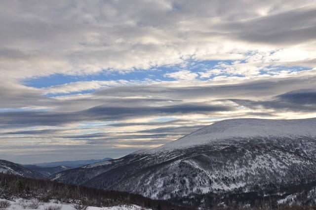 Вид с Ивановской горы на гору Золотые рога.